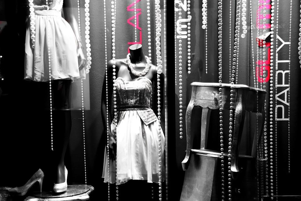 dolle-window-fashion-display-dummy