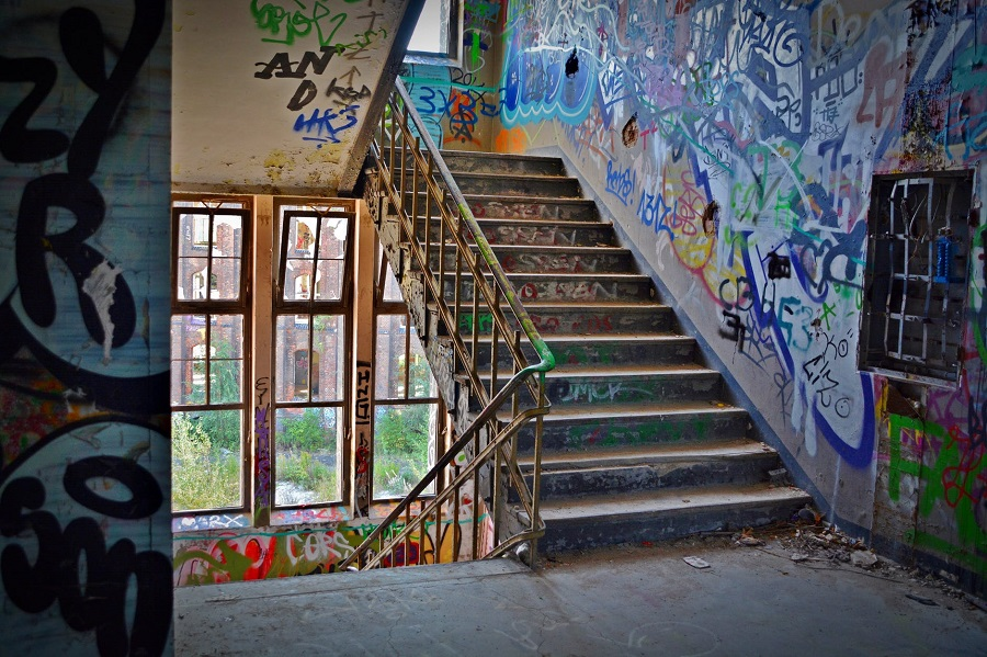 stairs-graffiti