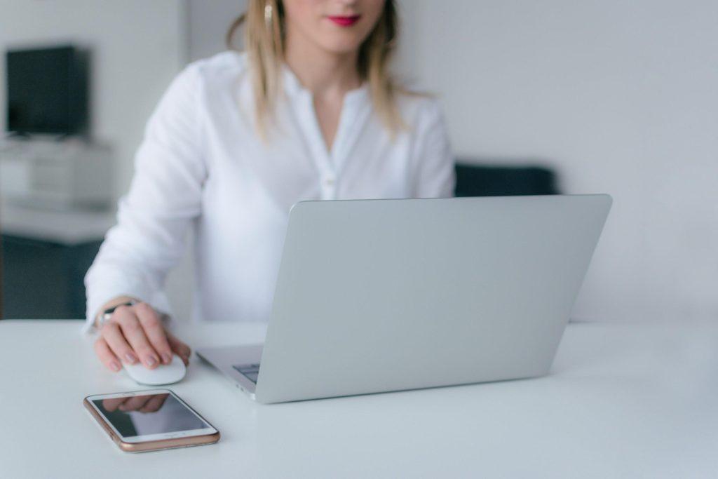women-laptop-cellphone
