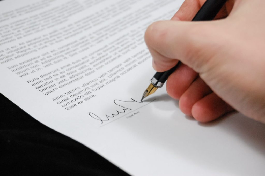 contract-agreement-signature