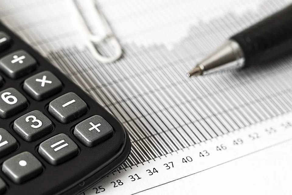 calculator-taxes-calculations