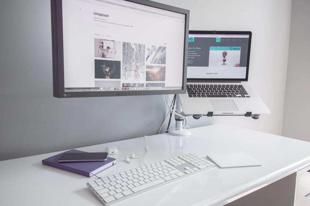 computer-laptop-desk