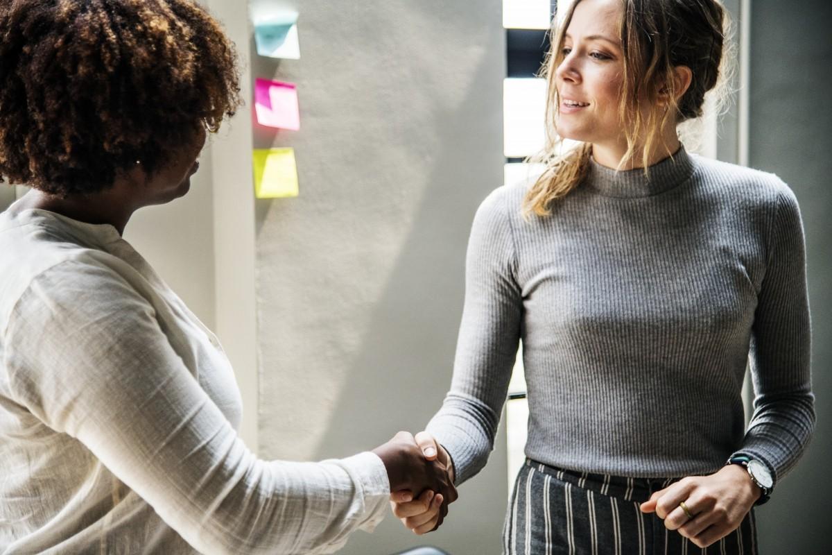 handshake-business deal-meeting