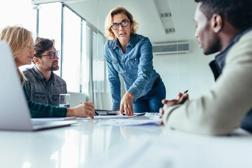 meeting-office-leadership-negotiation