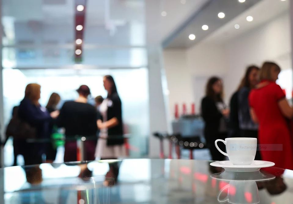 5 office-cafeteria-break-networking