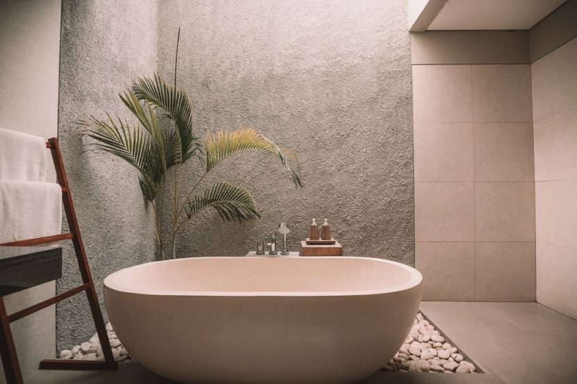 ceramic-bathtub-bathroom