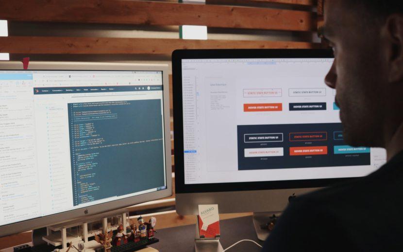 campaign-creators-computer-work stations-entrepreneur
