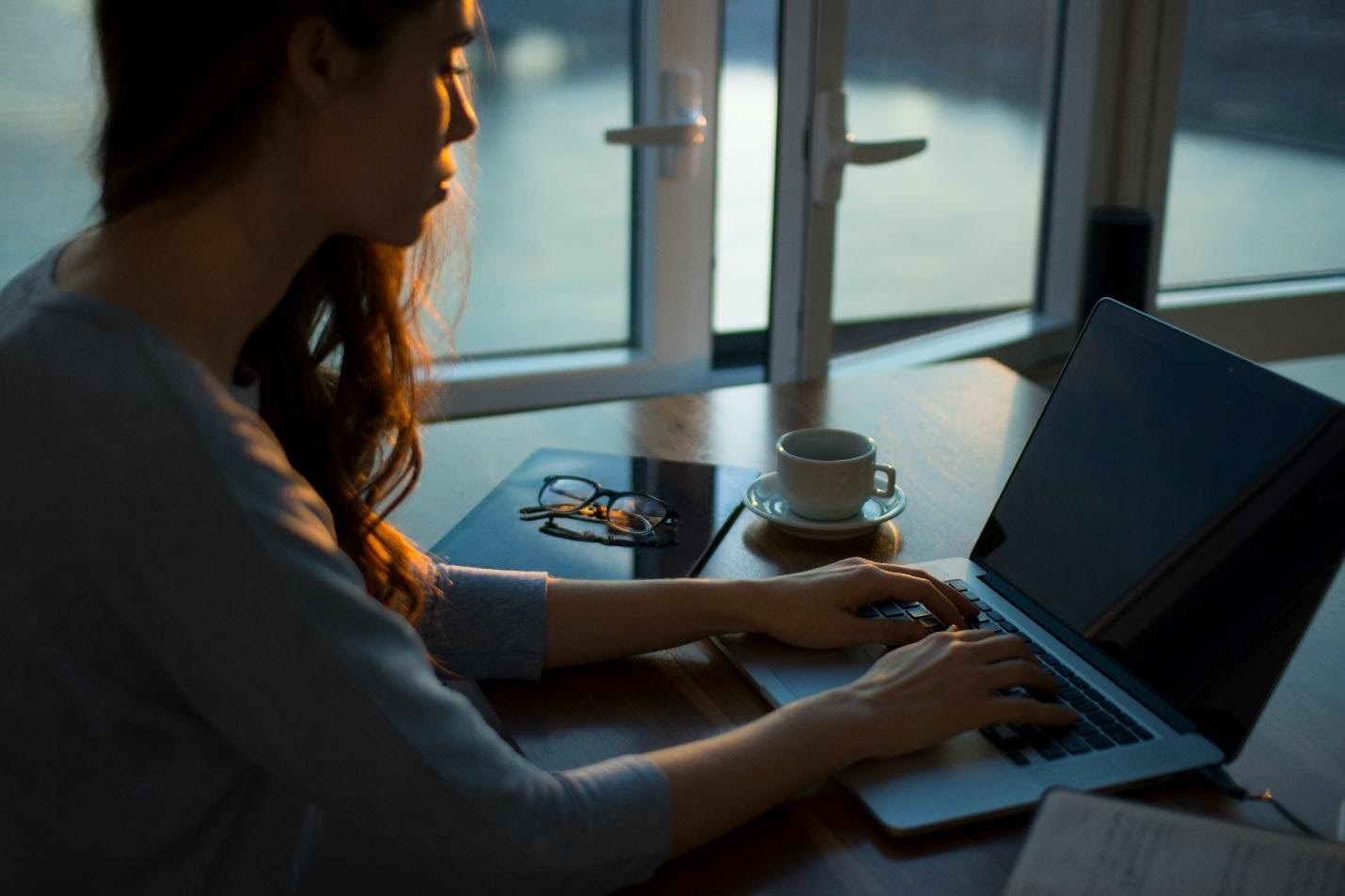 woman-entrepreneur-business-working from home
