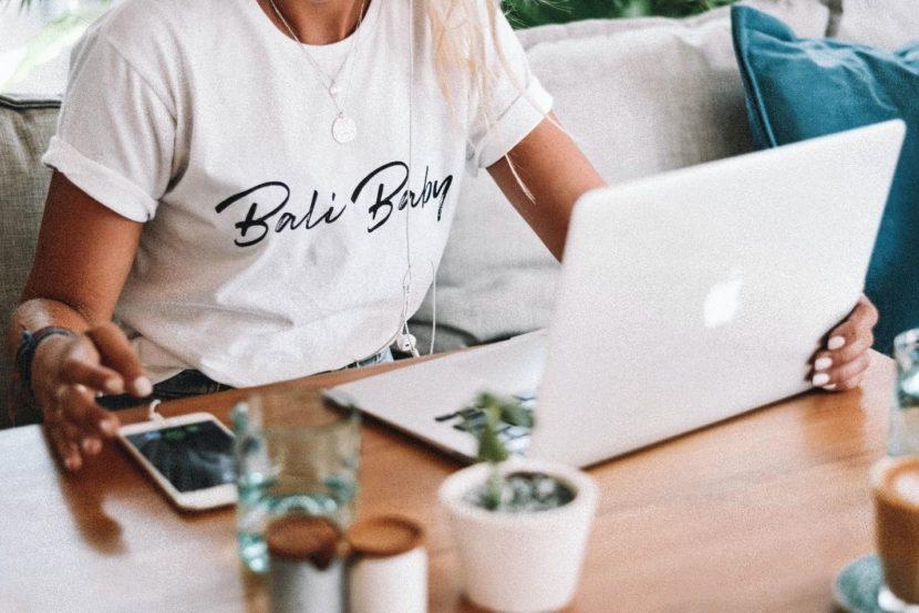 Bali Baby-women with laptop-entrepreneur
