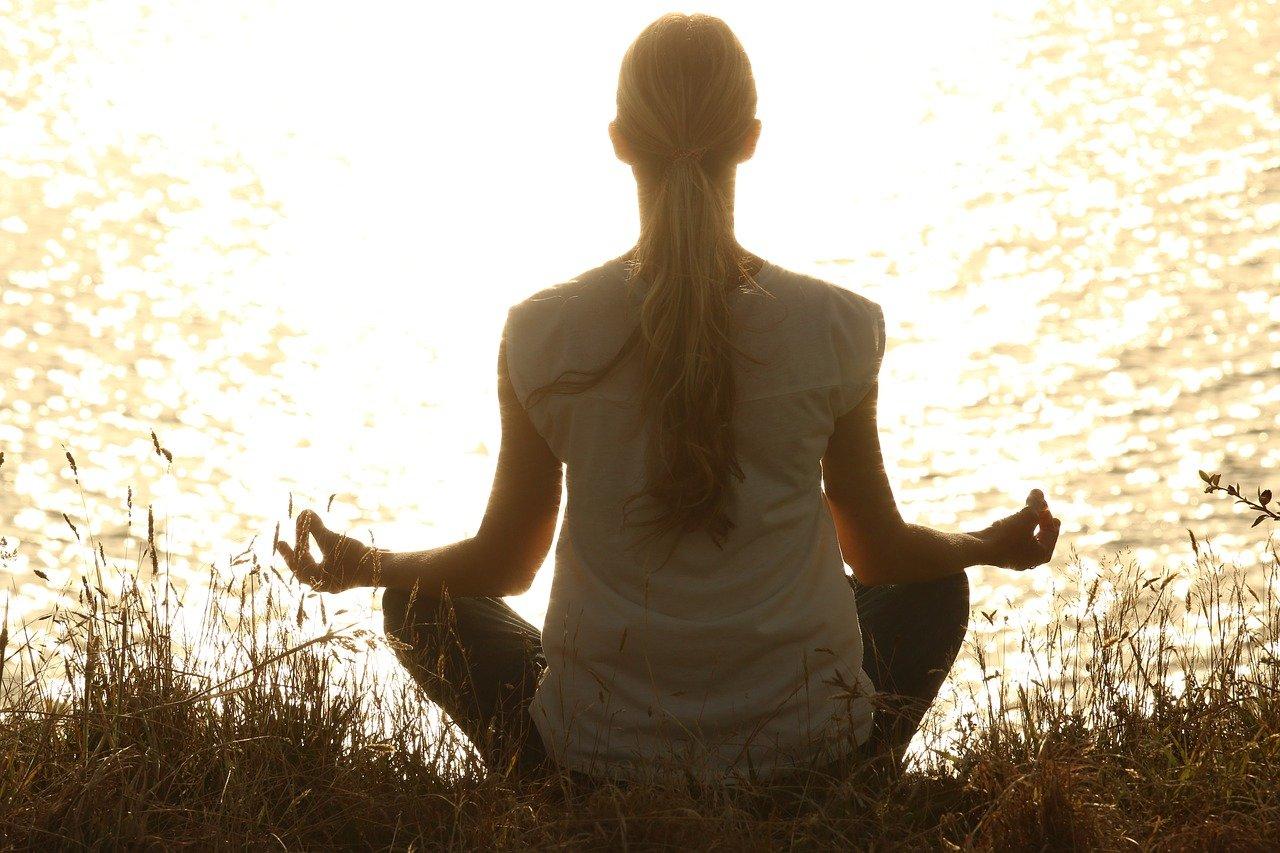 Top best benefits of Yoga for health in winter